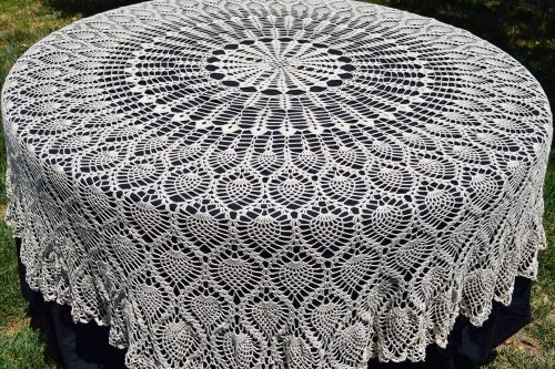 thread crochet pineapple tablecloth